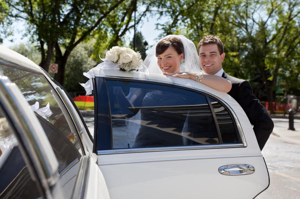 4 Things to Look for in a Wedding Transportation Service